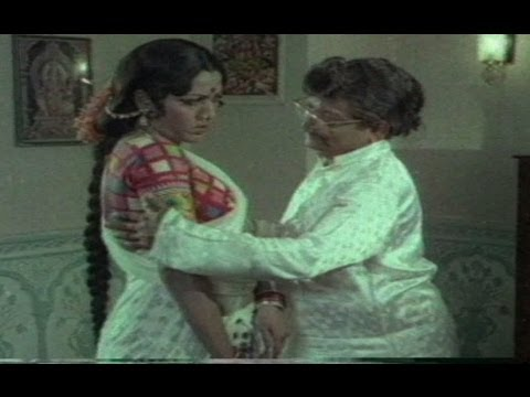 Allu Ramalingaiah Romance With Hot Beauty video