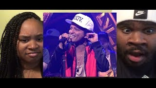 Download Lagu BRUNO MARS - CHUNKY LIVE (SNL) - REACTION Gratis STAFABAND