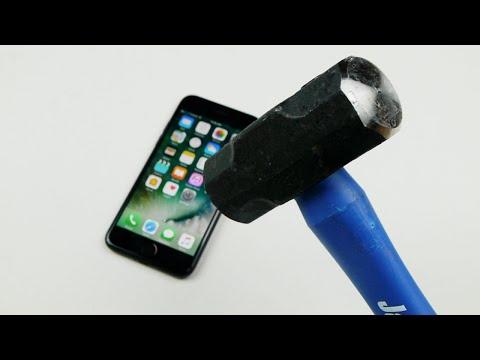 iPhone 7 Hammer & Knife Scratch Test!