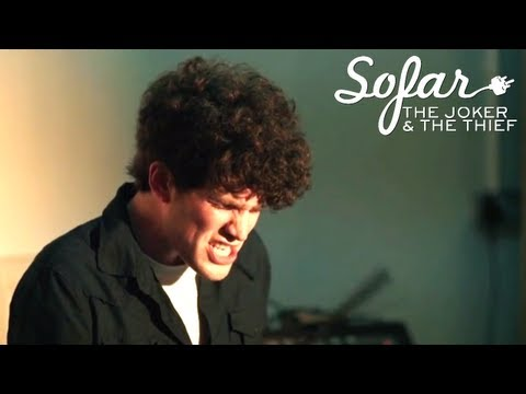 Miniatura del vídeo The Joker and The Thief - Pick Me Up | Sofar London (#129)