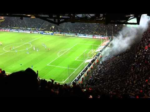 Derby Borussia Dortmund - FC Schalke 04 0:0 - 04.02.2011 Schalker Block vor Spielbeginn