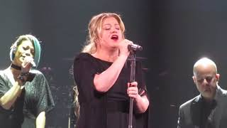 Kelly Clarkson - Shallow in Green Bay