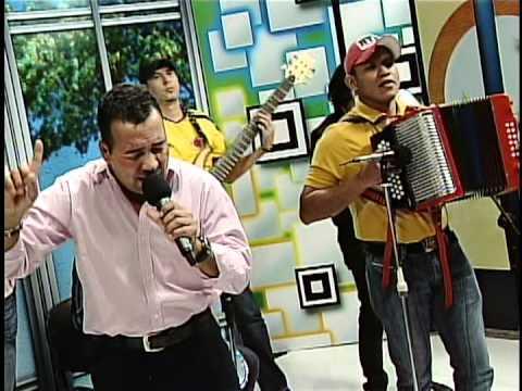 """Enaldo Barrera """"Diomedito"""" Y Oscar Correa - Si No Peleamos"""