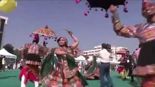 مهرجان لتوديع فصل الشتاء واستقبال فصل الربيع بالهند
