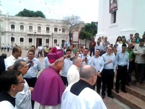 Ingreso de Monseñor Obispo Monseñor Luis Adriano Piedrahita a la Catedral
