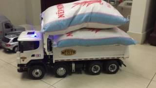 Mô hình xe tải điều khiển nâng ben 20kg