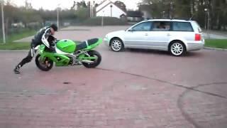 Biểu diễn đi xe máy ngược cuc ngu