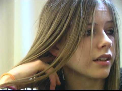 Avril Lavigne - European Tour Interview 2002