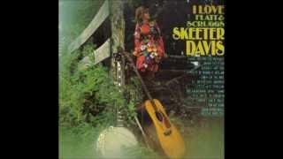 Watch Skeeter Davis I Still Miss Someone video