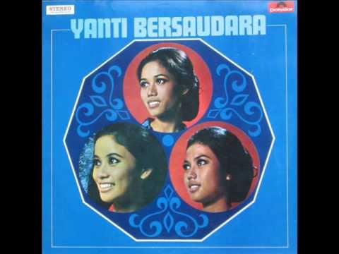 Badminton - by: Yanti Bersaudara