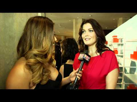 Bellamy Young Talks Teases Us with Scandals Upcomming Season!