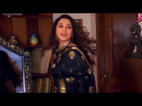 Madhuri Dixit - Scene From Hum Tumhare Hain Sanam video