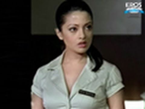 Hot N Sexy Riya Sen Gets Ogled - Benny And Babloo