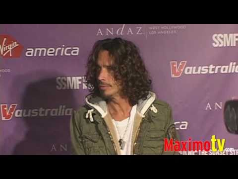 CHRIS CORNELL Looks Like a BUM at 'Get Stripped' Event September 11, 2009 Video