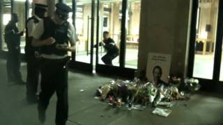 Mac store robbery, covent garden 9th oct 2011 (filmed on iPhone 3Gs lol)