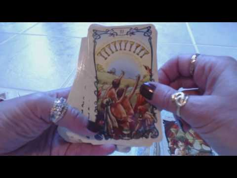 Traceyhd's Review Of The Mucha Tarot