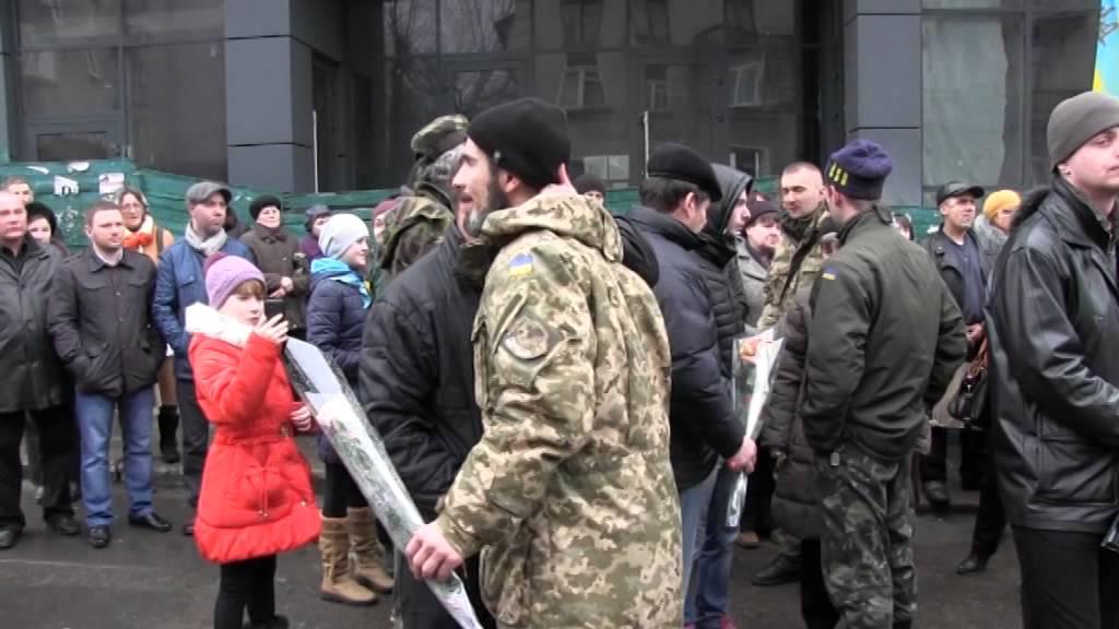 12 калушан із 128-ї гірсько-піхотної бригади повернулися з Дебальцевого додому