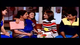 Rani Mukherjee introduces her Mom to Salman Khan & Family (Kahin Pyaar Na Ho jaye)