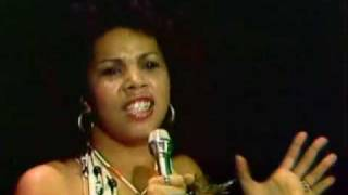 Watch Candi Staton Young Hearts Run Free video