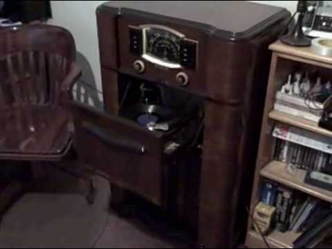 Zenith Tube Radio Phonograph Console 1940
