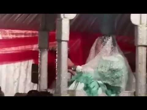 لأول مرة بالمغرب زواج مثلي مخنث فوق العمارية thumbnail