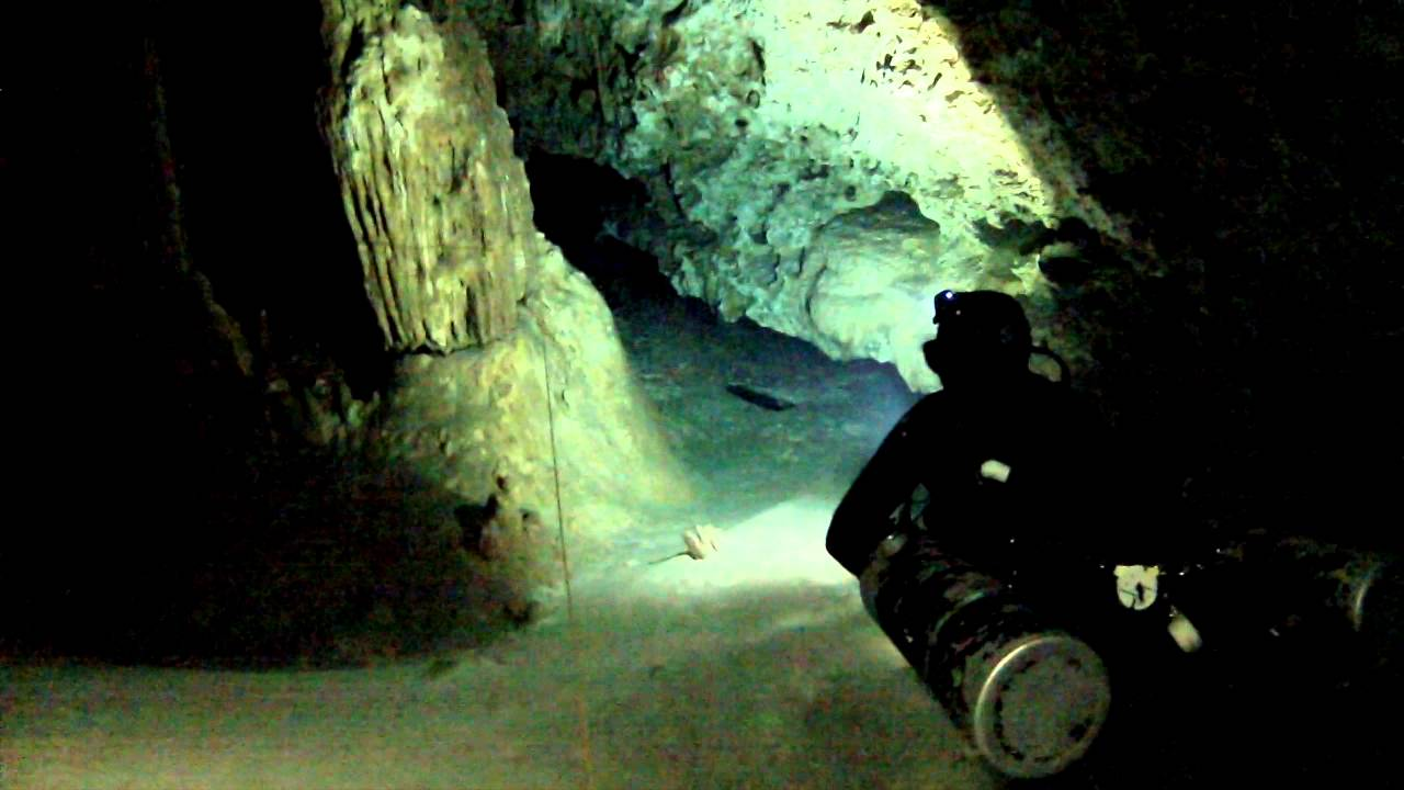 Cave Diving Xcalak Cave Diving With Divers