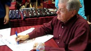 Bob Turley Signs for the SI KING  1-30-11