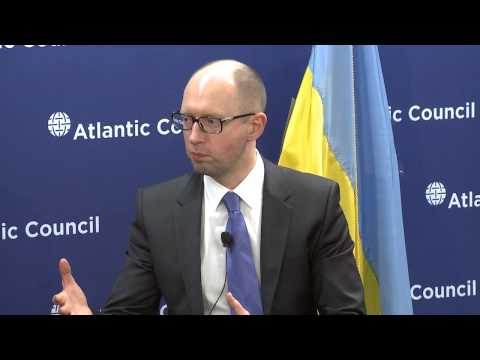 Ukraine's PM Praises US, EU Response to Crimea