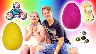 Fidget Spinner Giant Egg Surprise!! (Family Fun Scavenger Hunt)