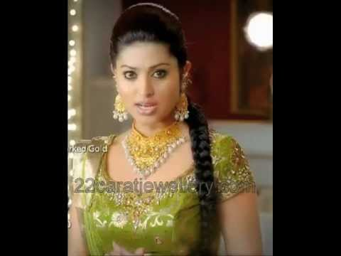 Indian Celebrities Traditional Gold Jewelry