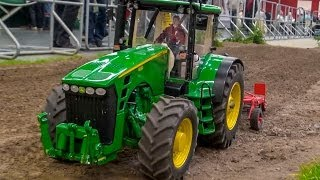 RC custom built 1:8 John Deere Tractor @ work on a field!