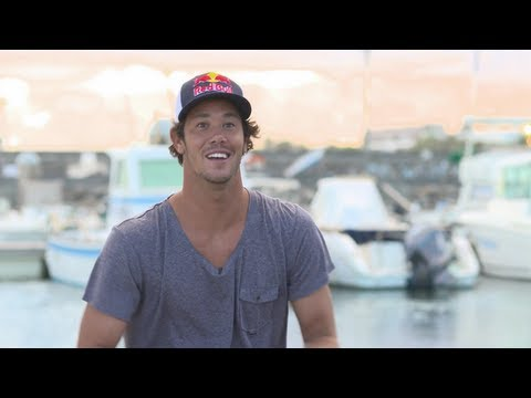 Jordy Smith surfing around the world - Making of Bending Colours