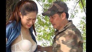 Tại sao phim hài Tết đầy rẫy nhân vật hám gái, hot girl khoe da thịt?