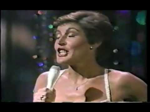HELEN REDDY LIVE! - IT'S EASY TO SAY from the Movie