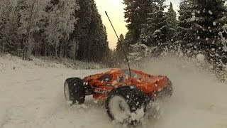 HPI Bullet St Flux - brushless RC slow motions on snow