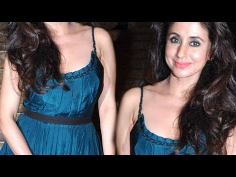 Urmila Matondkar Hot Sleeveless Skirt