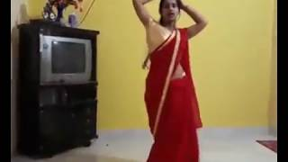 Hot aunty dance in RED saree bhojpuri song