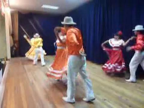 Grupo Folklorico GUAYAS (ambato & chulla quiteño)  en AMBATO  ECUADOR