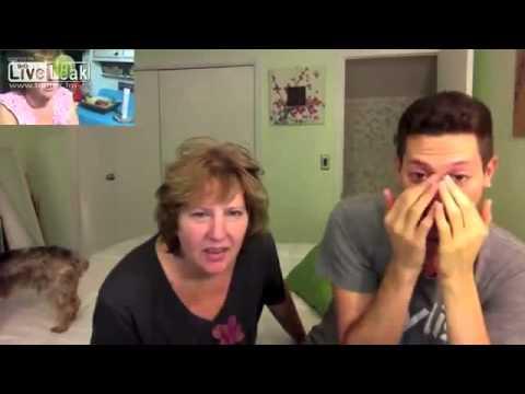 - Сын показывает матери как она лунатила.