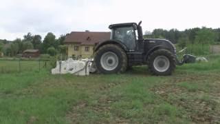 VALTRA S353 + stabilizator gruntu