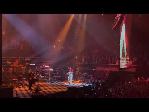 Download  'Golden' Live Harry Styles Fine Line One Night Only Gratis, download lagu terbaru