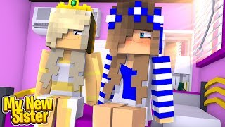 MEETING MY NEW SISTER! (Little Carly Minecraft).