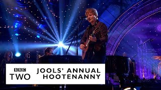 Download Lagu Ed Sheeran – Layla with Jools Holland & His Rhythm & Blues Orchestra Gratis STAFABAND