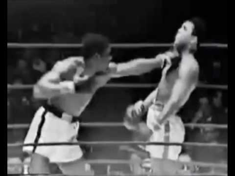 MUHAMMAD ALI'S GREAT REFLEXES !!!