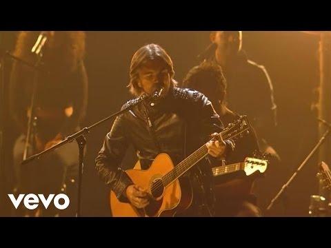 Music video by Juanes performing Nada Valgo Sin Tu Amor / A Dios Le Pido (Premios Juventud 2012). ©: 2012 Una Produccion De Univision Derechos Reservados. Ex...