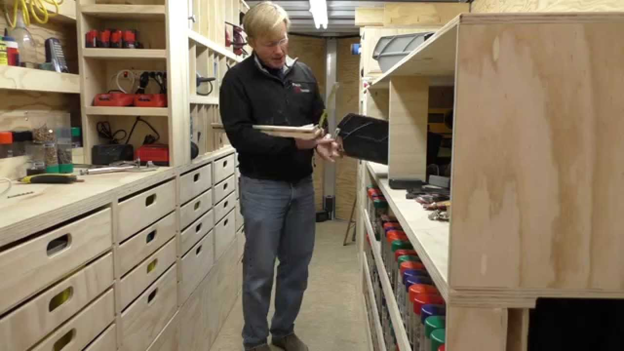BUILDING A MOBILE WOODSHOP (Part 31) A cool pull out shelf that works ...