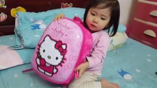 Bé Sumi đi mua cặp sách | Bố mẹ giúp bé tự giác chuẩn bị đồ để đi học