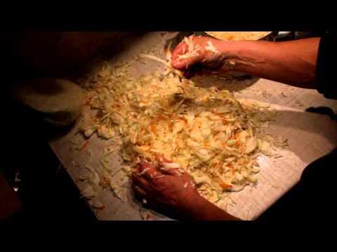 Как засолить капусту на зиму - видео