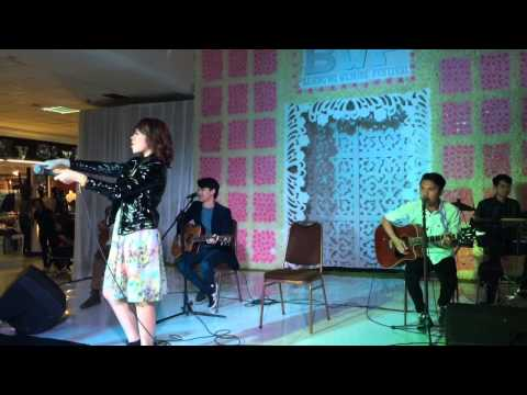 download lagu Carla - Kamu (Live Acoustic) gratis