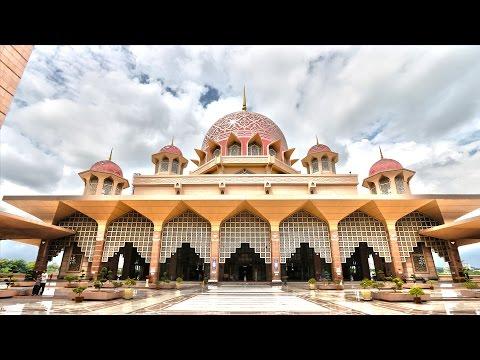 Kuala Lumpur, Malaysia - Twin Towers, Batu Caves, Putrajaya, Masjid Negara -